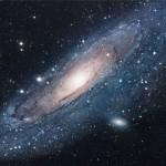Темная материя участвует в активизации ядер галактик