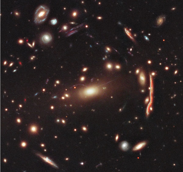 Темная материя от Galaxy Cluster MACS 1206