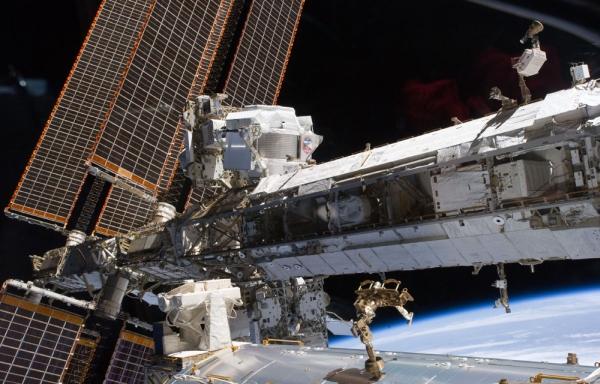 Поиски темной материи на МКС