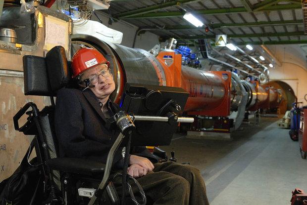 Ни БАК, ни живая легенда Стивен Хокинг, не могут ответить на многие вопросы физики элементарных частиц. Фото CERN