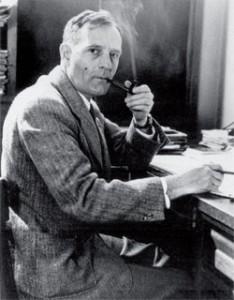 Эдвин Хаббл открыл в 1929 г. феномен разбегания галактик и сформулировал закон движения галактик, носящий его имя
