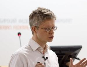 Игорь Иванов - физик-теоретик